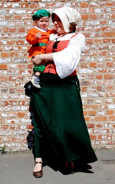 © JF Collignon - Victor Borgniet dans les bras de sa maman (Mai 2012)